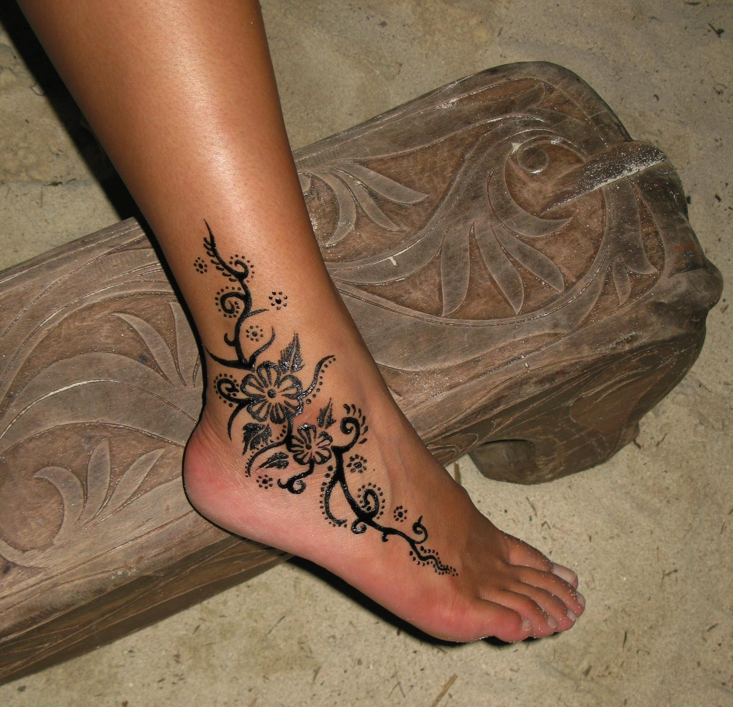 30 Stylish And Easy Henna Tattoo Designs 2017 Collection