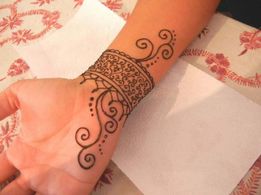 Cool Henna Tattoo Ideas For Wrist Tattoo Bytes