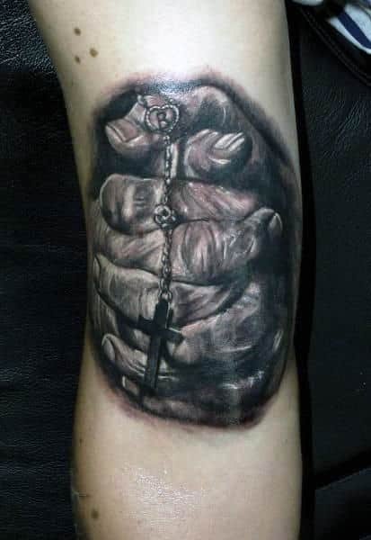 bicep-realistic-guys-praying-hands-with-cross-tattoos