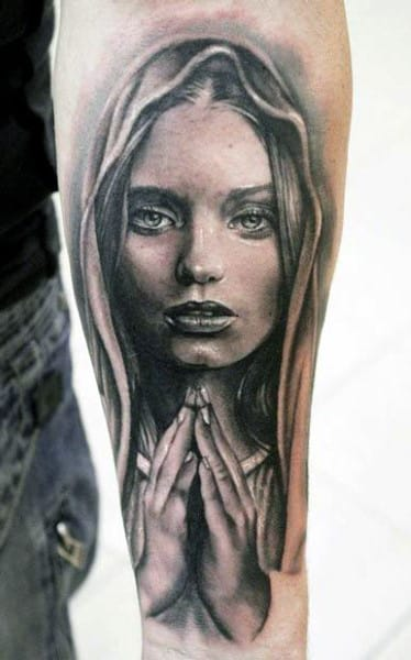 forearm-mother-mary-mens-hands-praying-tattoo