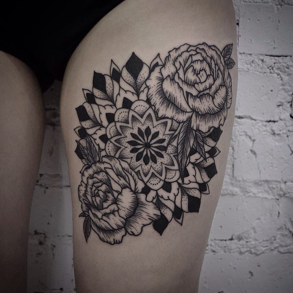 mandala-tattoo-designs-on-thigh