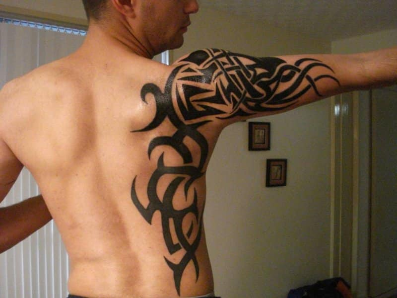 30 Breathtaking Rib Cage Tattoos For People With Bold Look