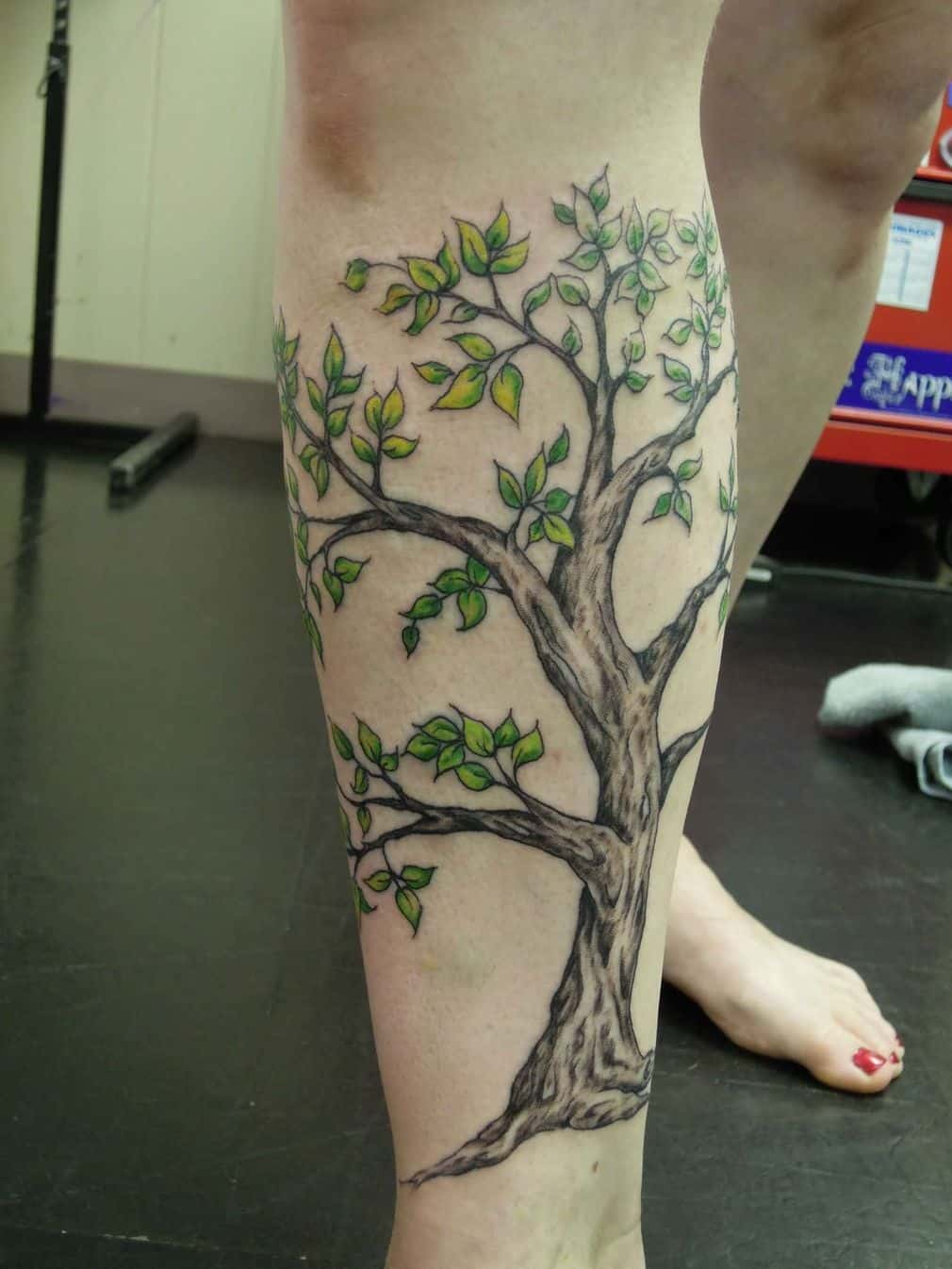 Attractive Tree Tattoo On Right Leg